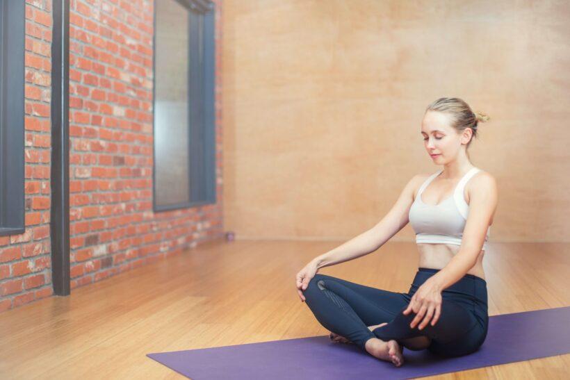 Ginnastica con metodo Yoga, respirazione e rilassamento ON LINE